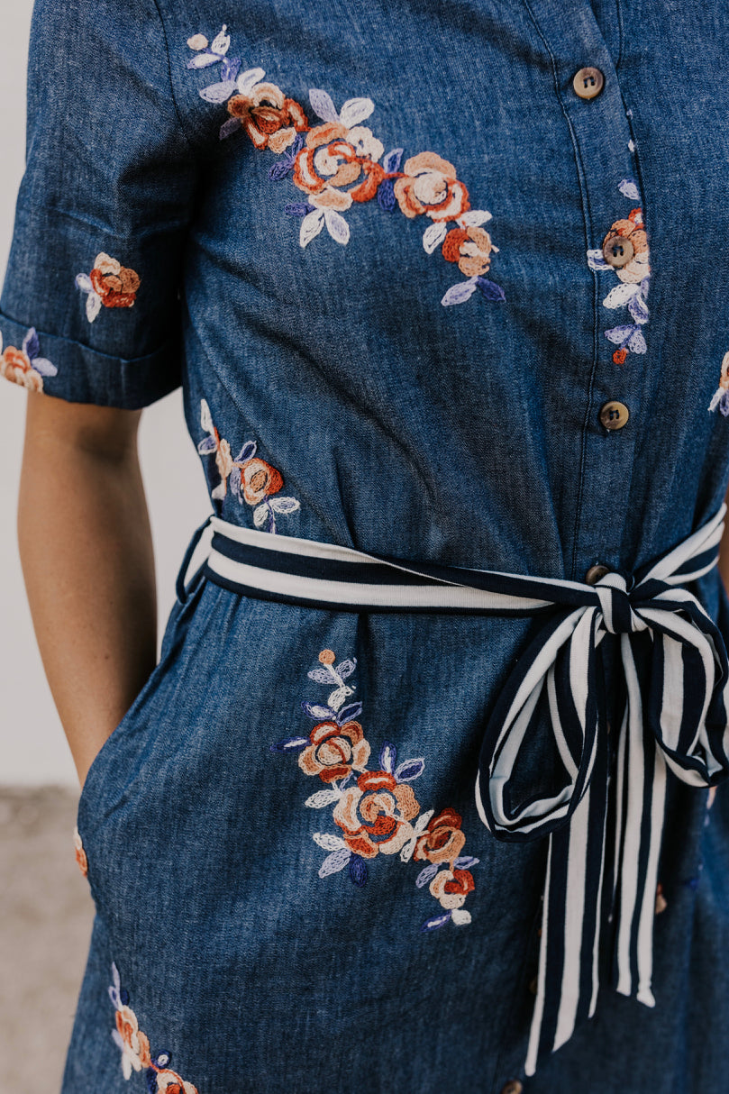 Floral Embroidered Collar Dress | ROOLEE