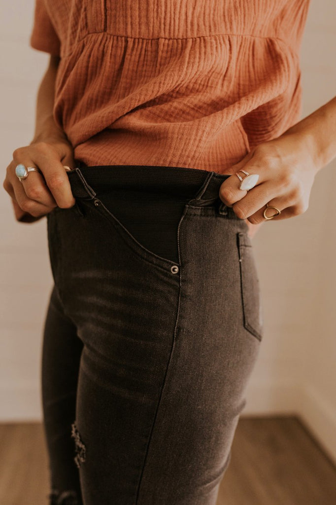 Elastic Waistband Jeans | ROOLEE