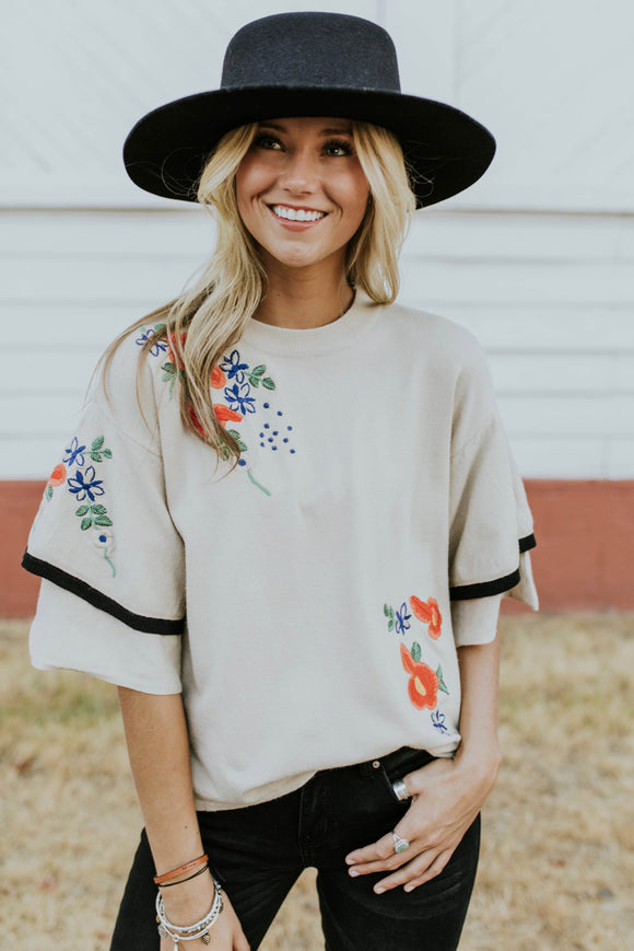Half Sleeve Ruffle Top Outfit Ideas For Women | ROOLEE