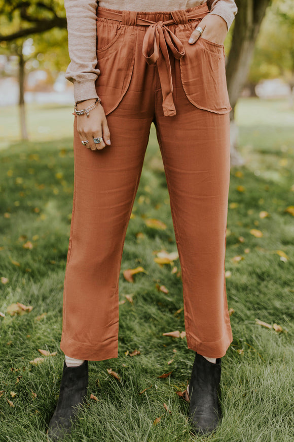 Comfy Tie Waist Pant Outfit Ideas | ROOLEE