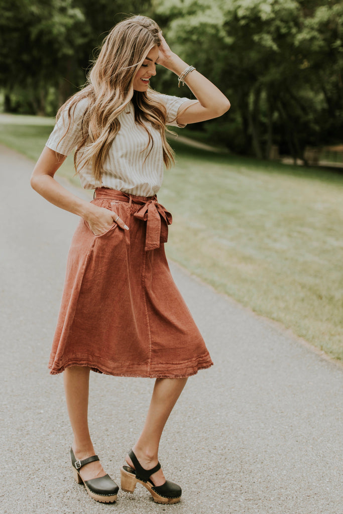Modest Outfit Ideas For Women | ROOLEE