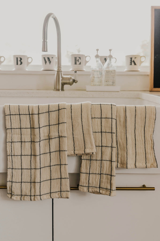 Set of 4 Natural Colored Towels | ROOLEE