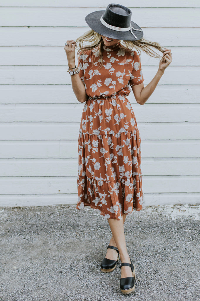 Floral Dress Outfit for Fall | ROOLEE