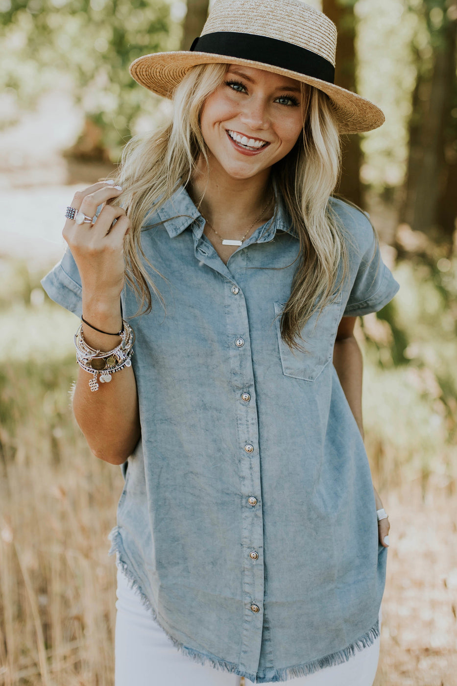 Cute + Simple Outfit Inspiration For Women | ROOLEE