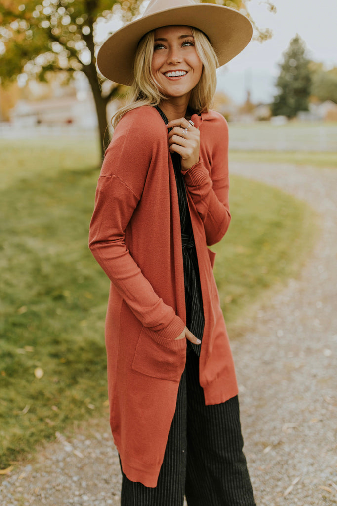 Long Sleeve Knit Cardigan Sweater Outfit Ideas | ROOLEE