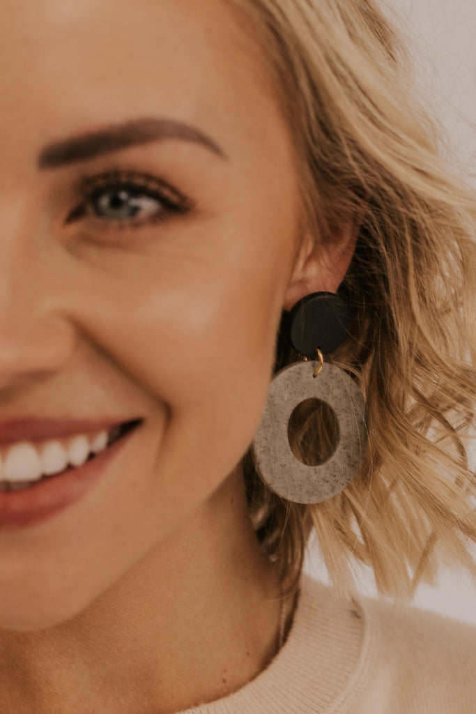 Simple Hoop Earrings | ROOLEE