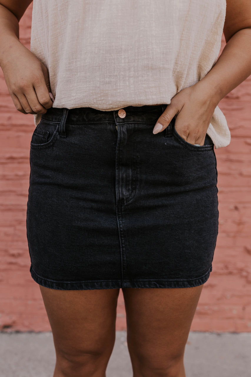Causal Black Jean Mini Skirt | ROOLEE