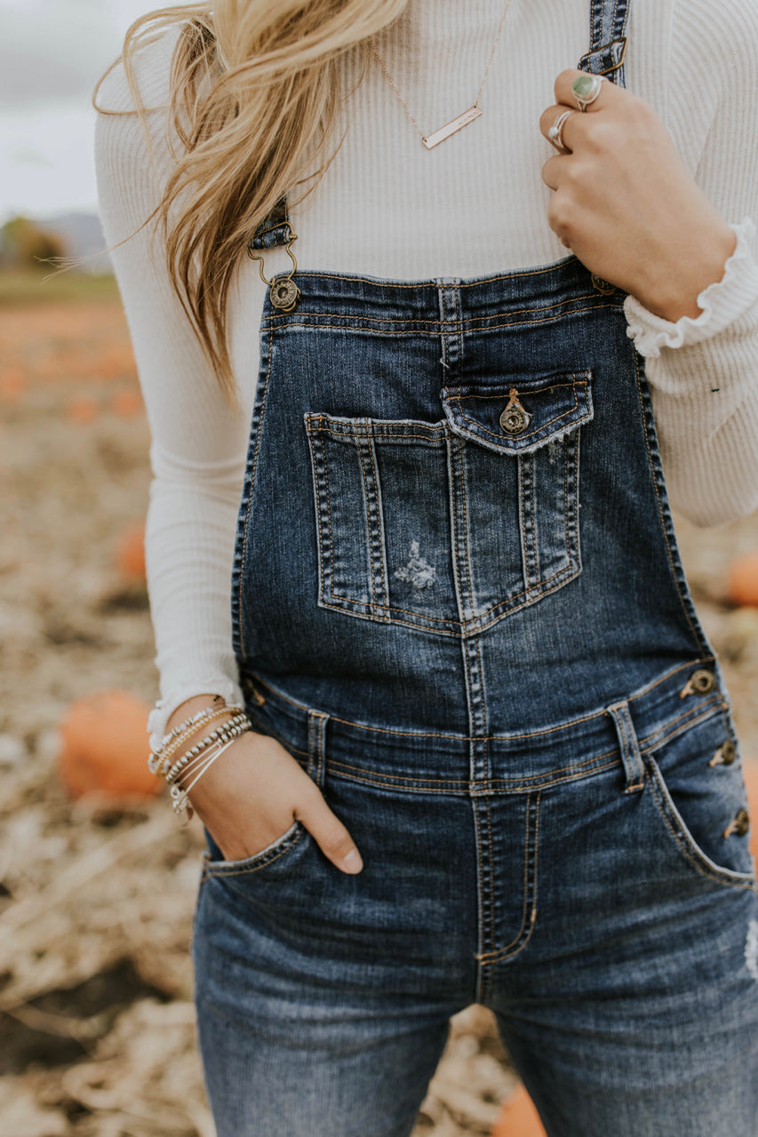 Denim Overalls Outfit Ideas For Fall | ROOLEE Bottoms