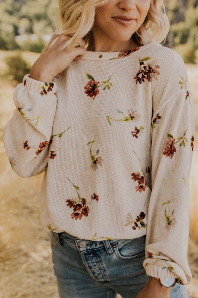 Ivory Sweater with Flowers | ROOLEE