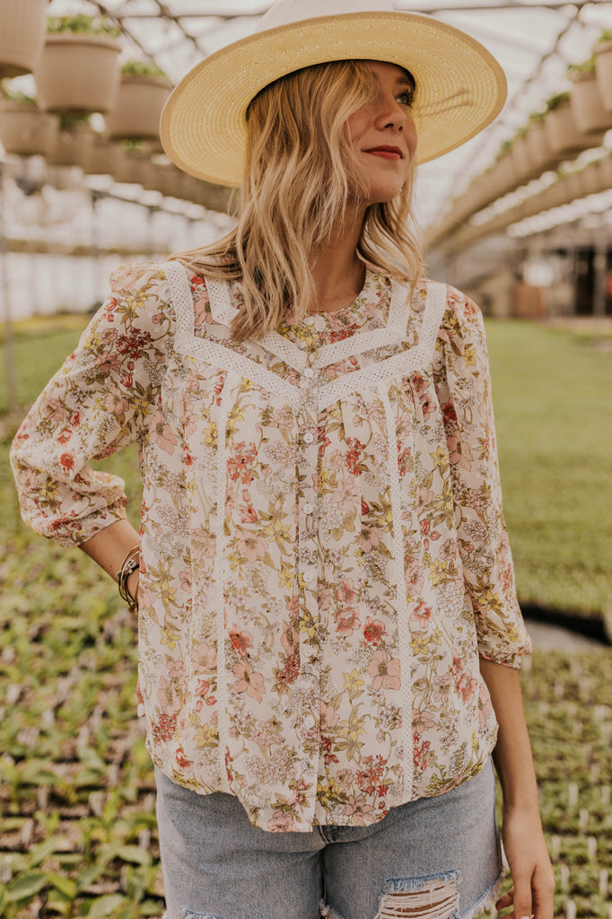 Floral Button Blouse | ROOLEE