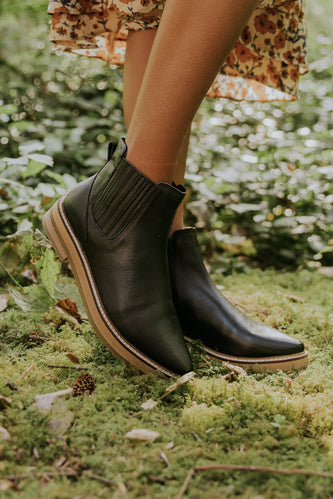 Cute Black Booties | ROOLEE