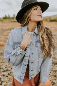 Classic Denim Jacket Outfit For Fall | ROOLEE Outerwear