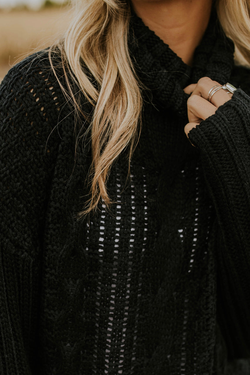 Thick Cable Knit Sweater | ROOLEE