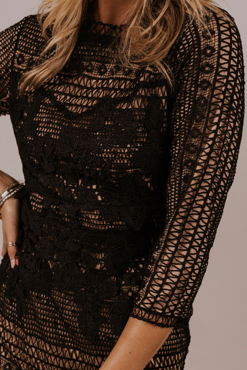 Lace Holiday Dress | ROOLEE
