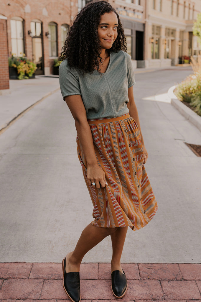 Fall Button Skirt | ROOLEE