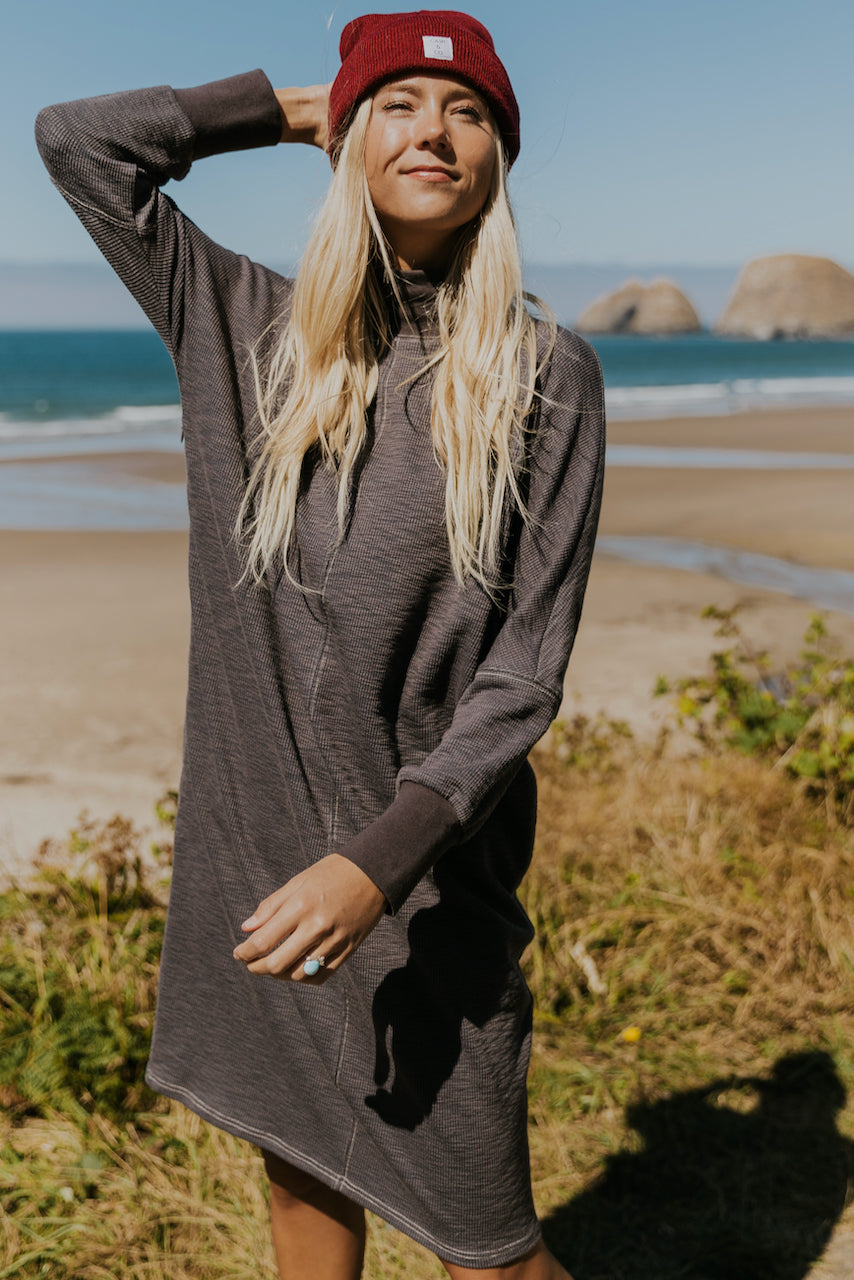 Long sleeve shift dress for nursing moms | ROOLEE