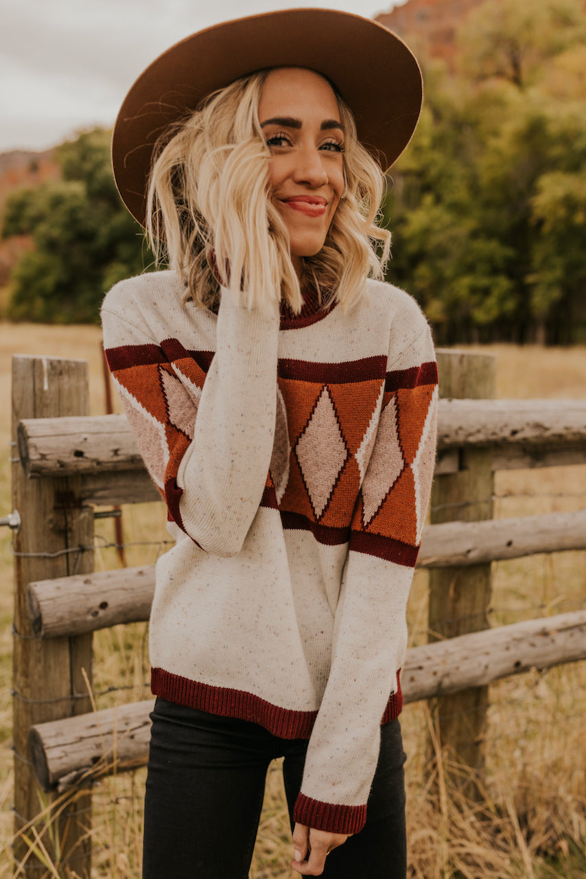 Knitted Sweater with Diamond Pattern | ROOLEE