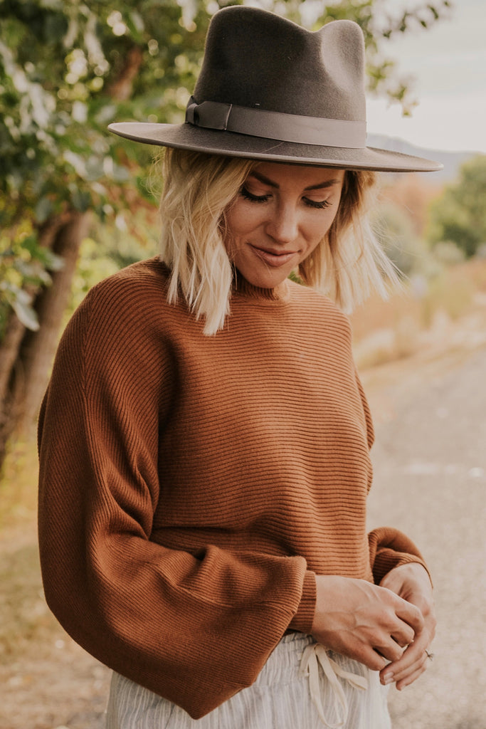 High Neck Sweater | ROOLEE