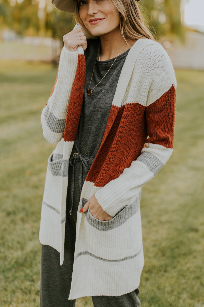 Stripe Hooded Cardigan Sweater Outfit Ideas | ROOLEE