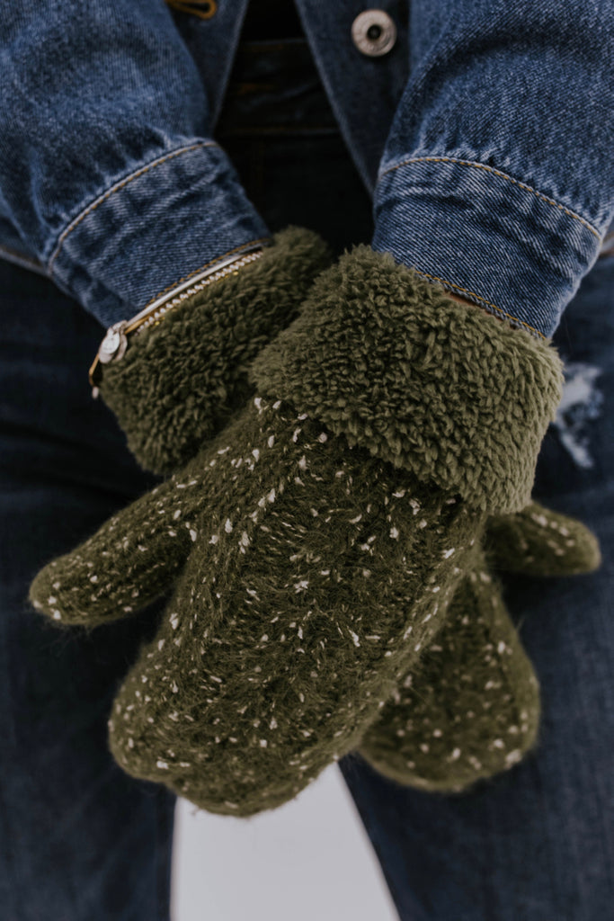 Olive Mittens for Winter | ROOLEE Accessories