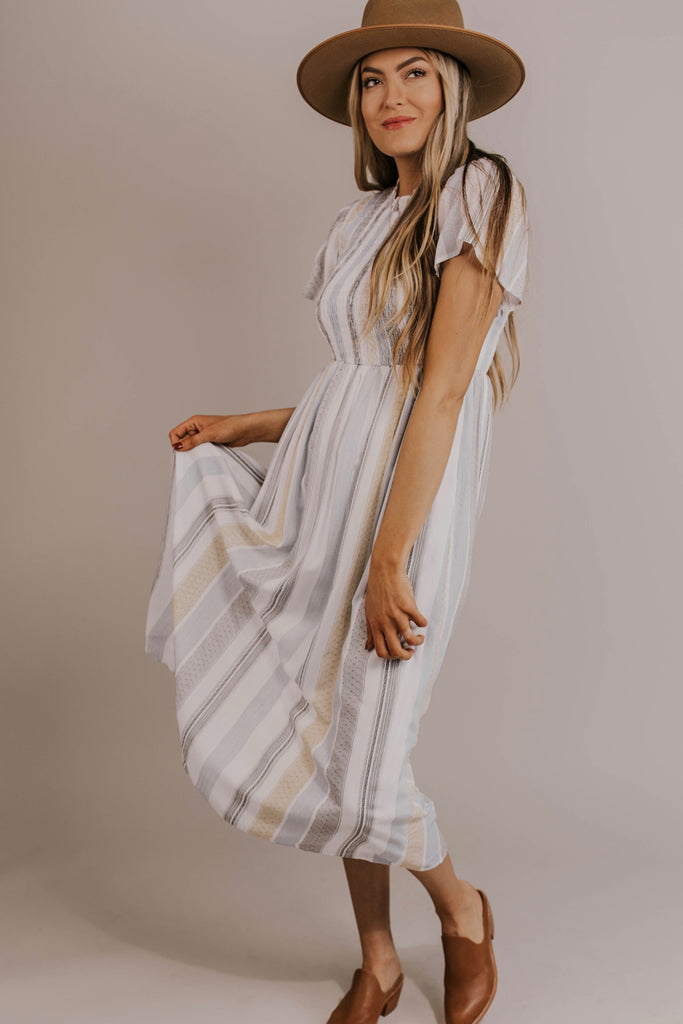 Flowy Maxi Dress Ideas | ROOLEE
