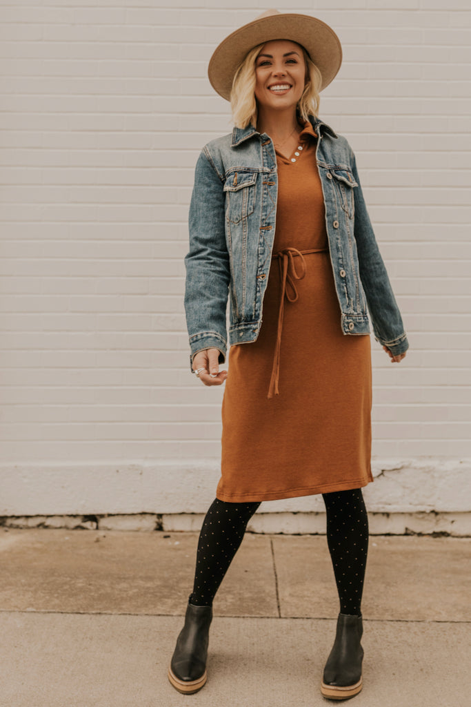 How to Style a Denim Jacket | ROOLEE