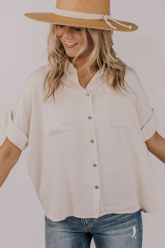 Oversized Button Up Outfit Ideas | ROOLEE