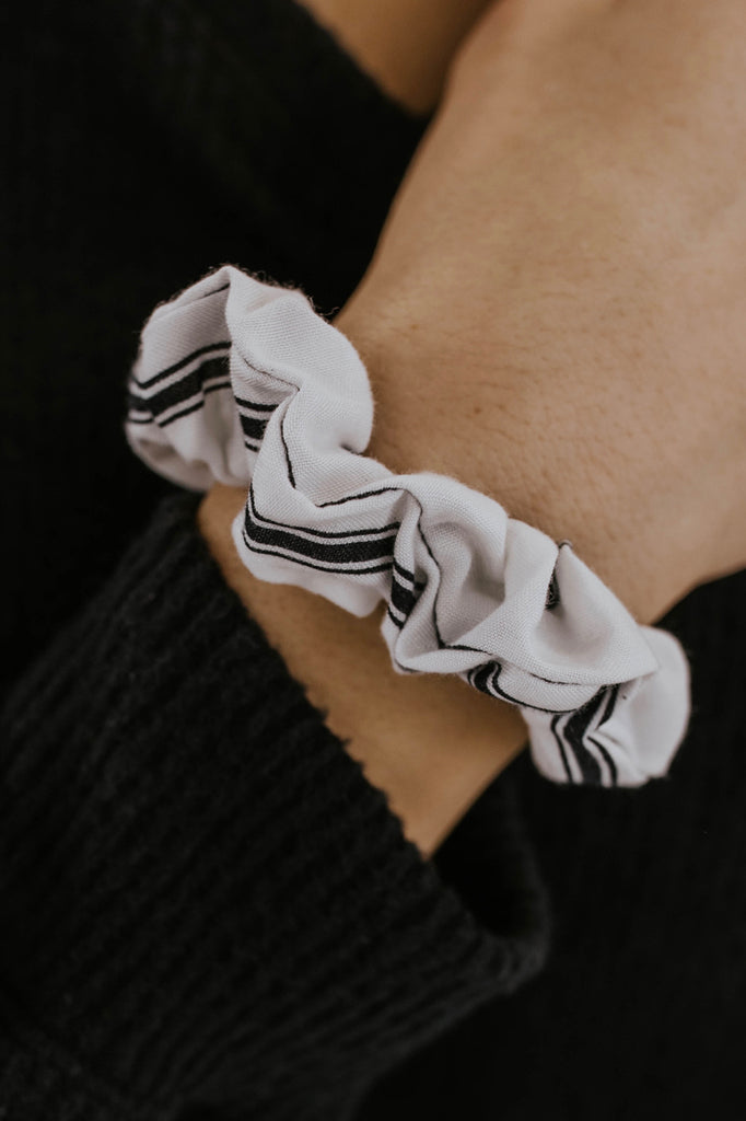 Black and White Stripe Scrunchie | ROOLEE