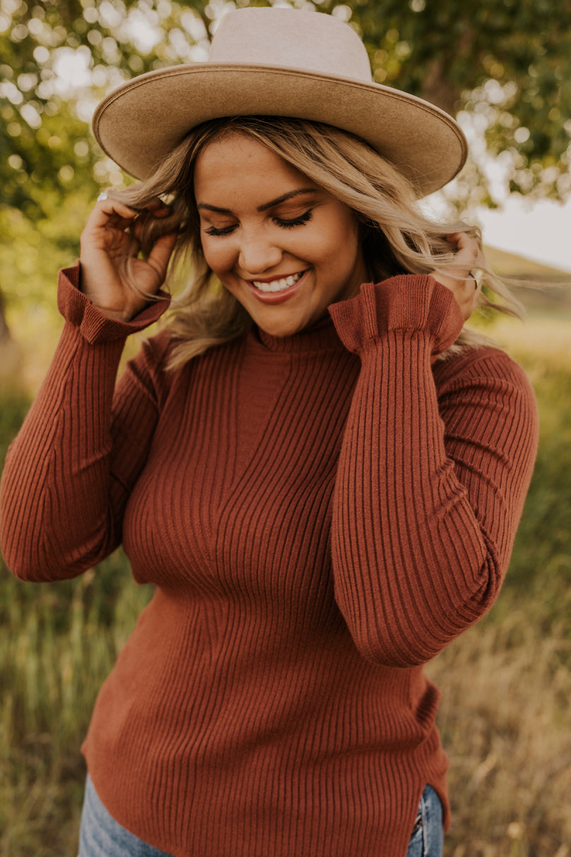 Ribbed Sweater Outfits | ROOLEE