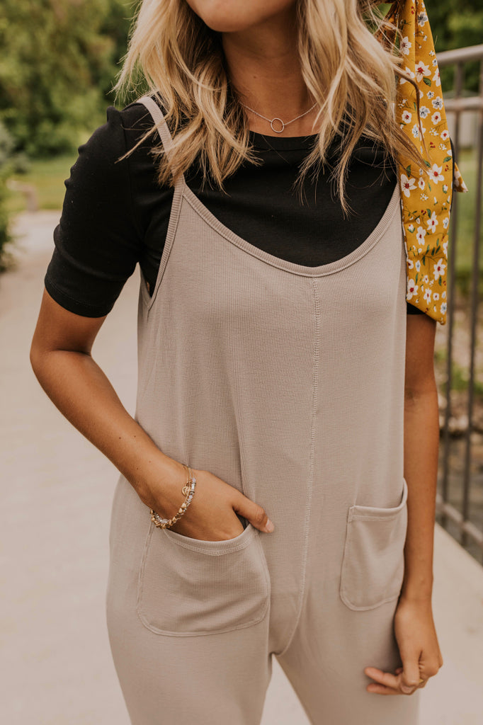 Cute & Trendy Jumpsuit Outfit Ideas | ROOLEE