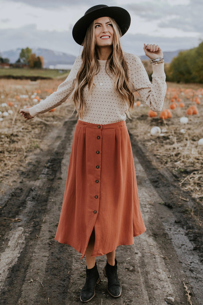 Rust Midi Skirt Fall Outfit Ideas | ROOLEE