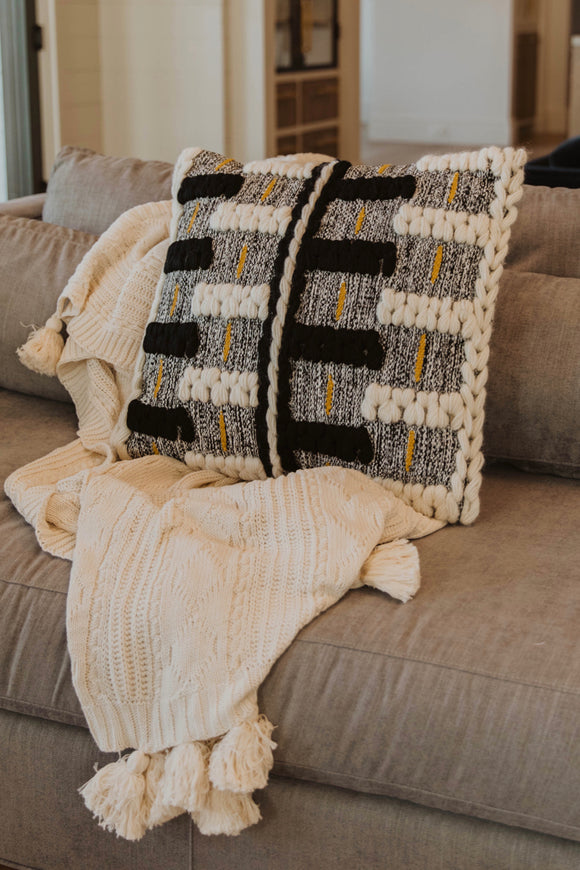 Knit Throw Blankets | ROOLEE