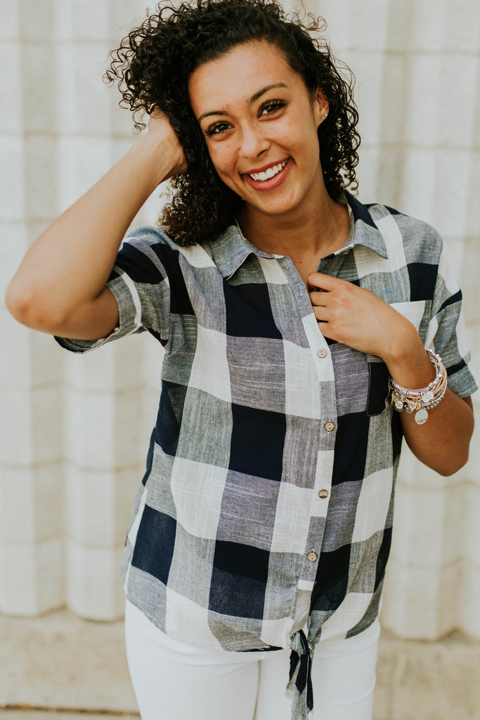 Laiken Plaid Top in Navy | ROOLEE