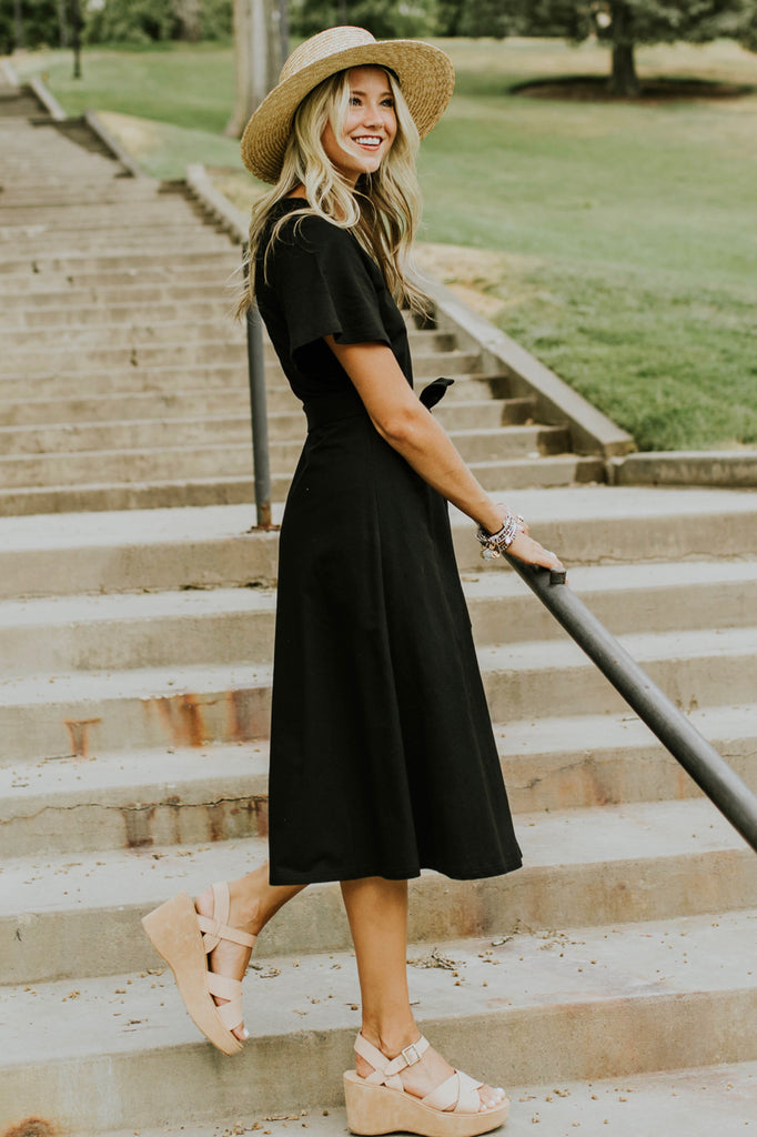 Date Night Ideas For Fall Outfit | ROOLEE
