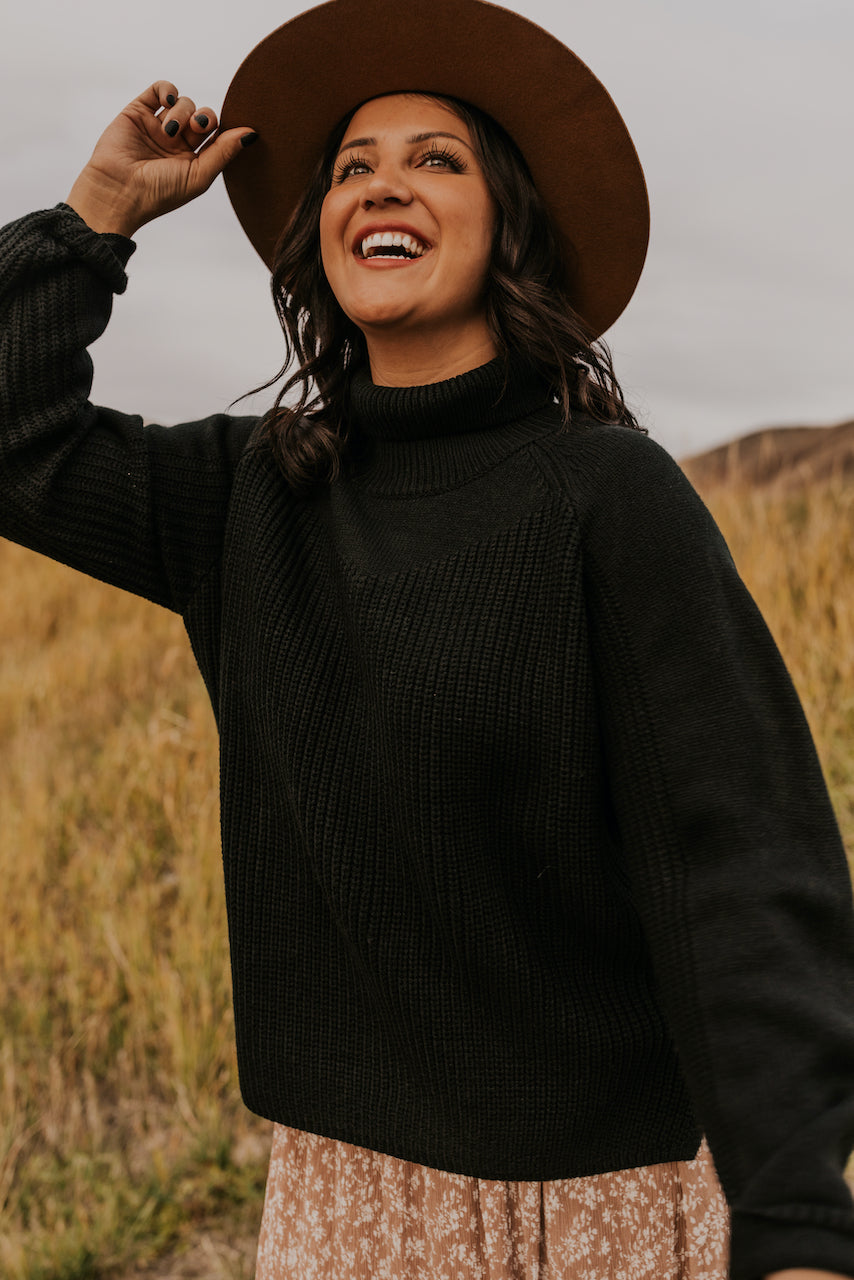 Black Turtleneck Sweater | ROOLEE