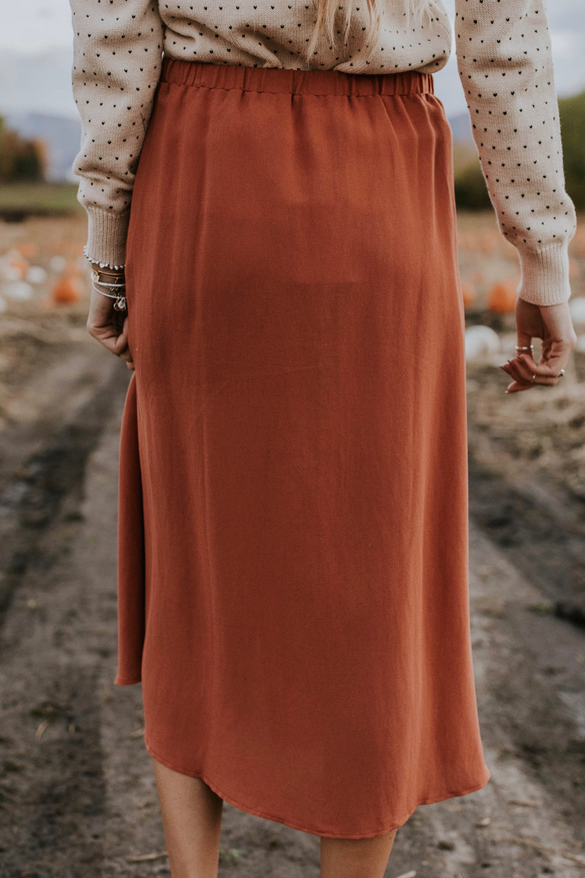 Cute Date Night Skirt For Fall | ROOLEE