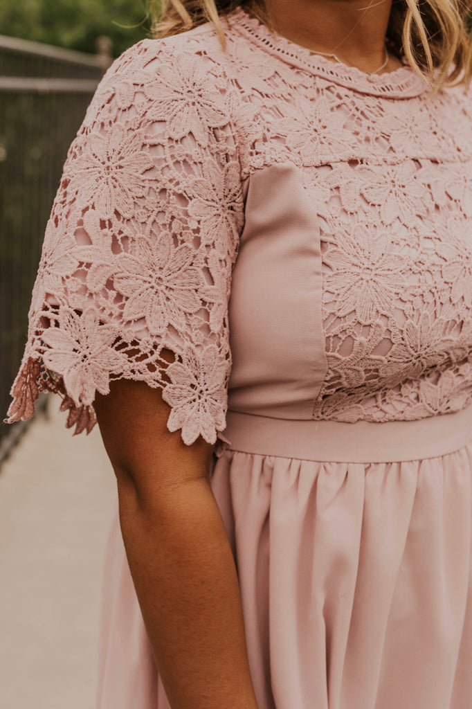 Blush Lace Dress | ROOLEE