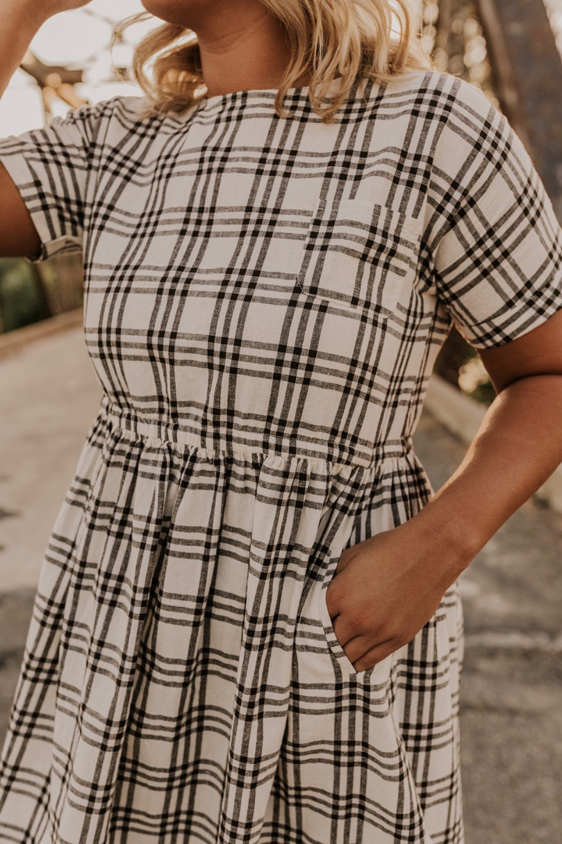 Modest Dress for Fall | ROOLEE
