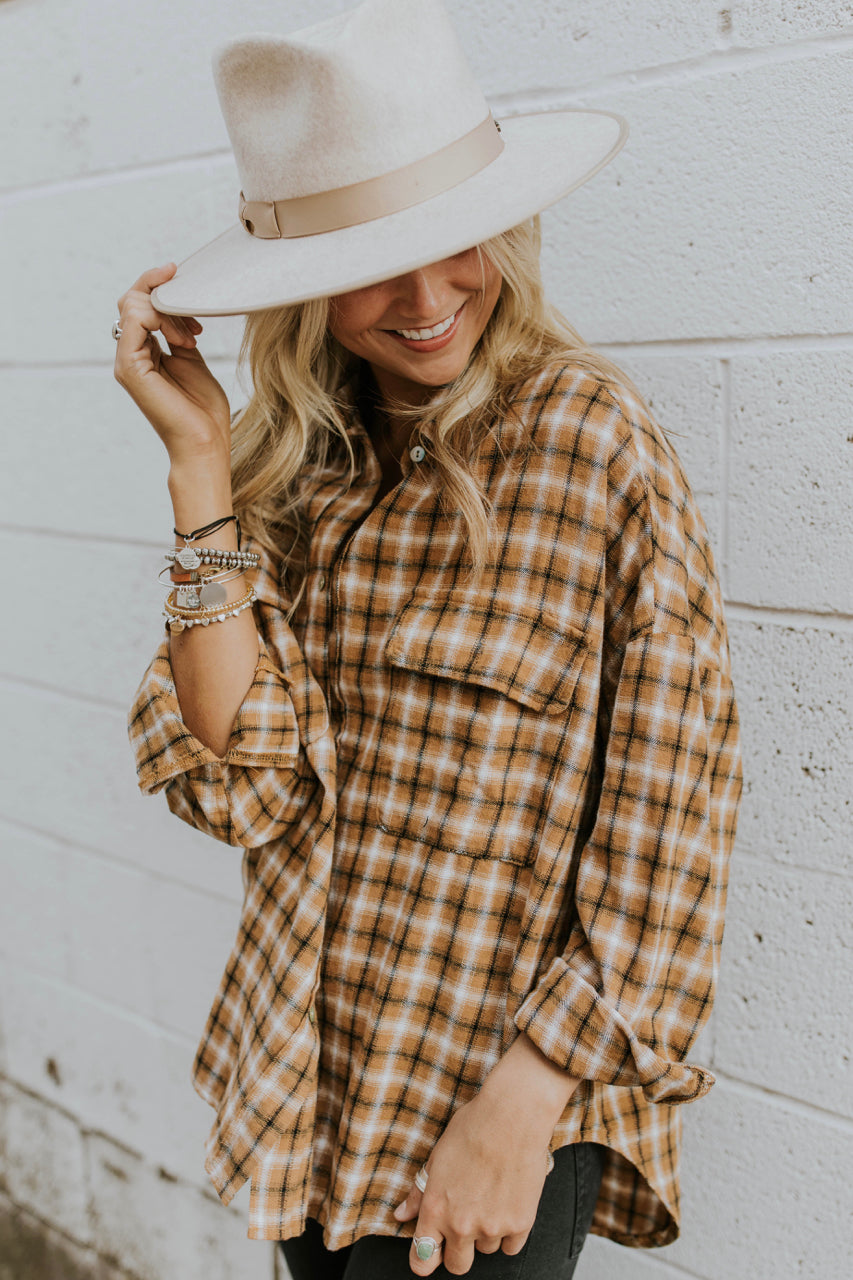 Button Up Flannel Fall outfit ideas for women | ROOLEE