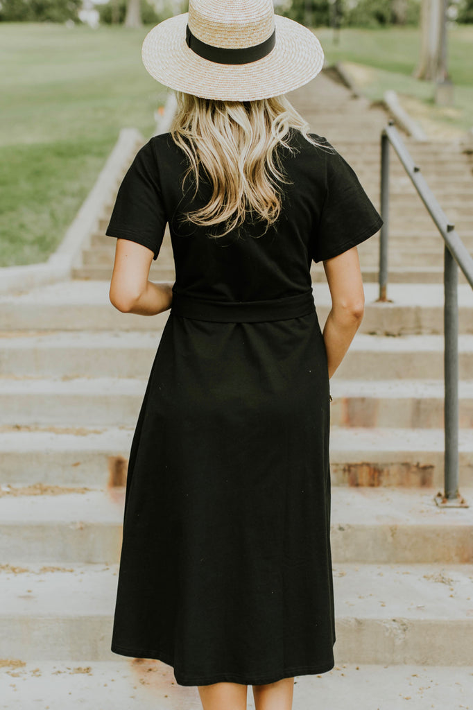 Black Wrap Dress Outfit | ROOLEE