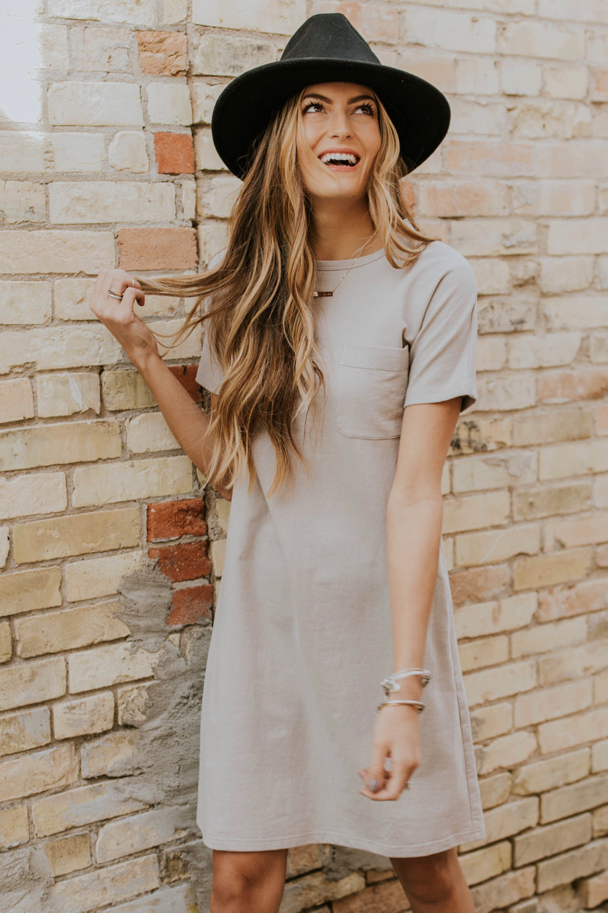 Short Sleeve Simple Dress Outfit Ideas | ROOLEE