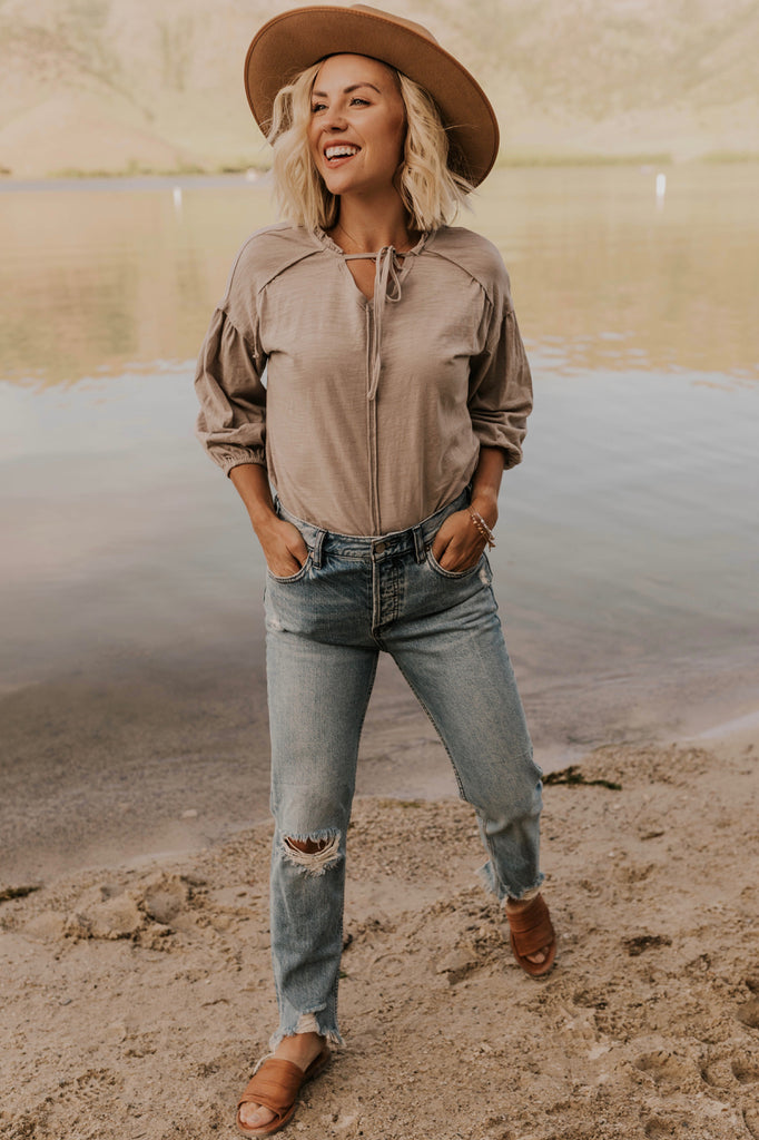 Peasant Top Outfit Ideas | ROOLEE