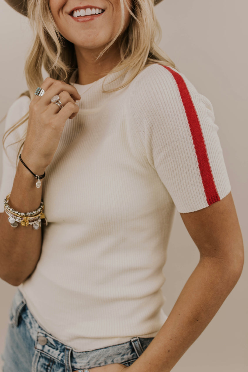 Short Sleeved Top Outfit | ROOLEE