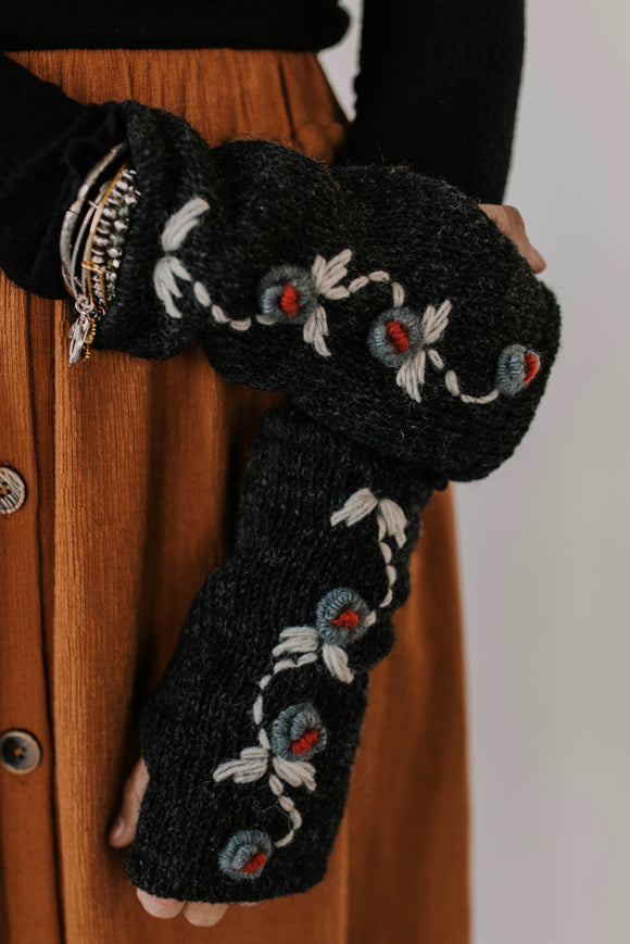 Embroidered Fingerless Gloves | ROOLEE