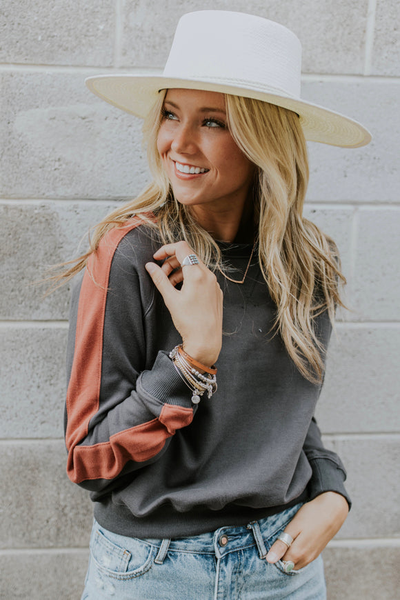 Long Sleeve Sweater Outfit Ideas For Women | ROOLEE