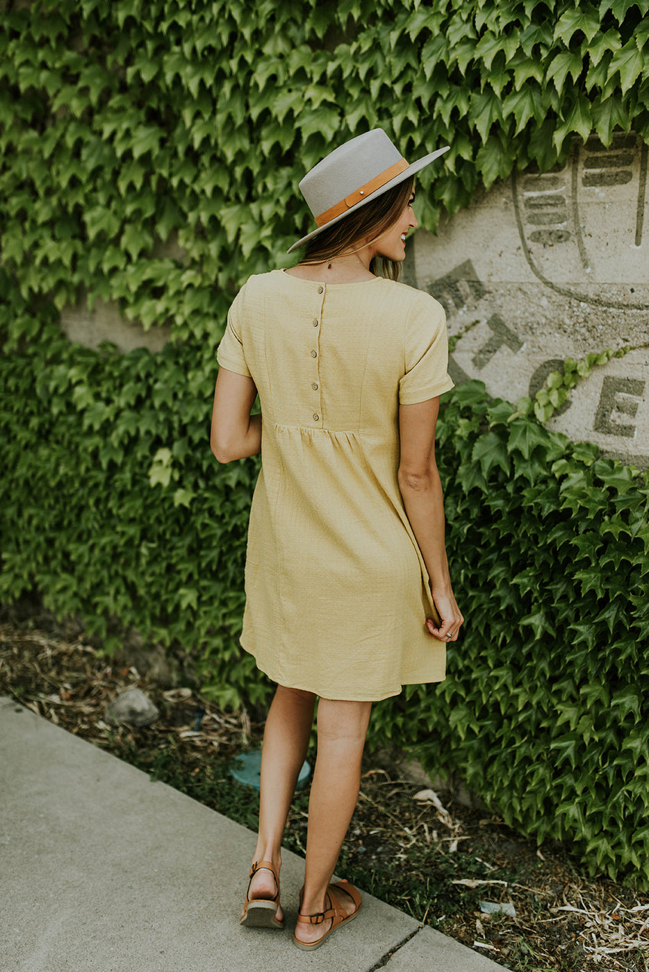 Buttoned Back Short Sleeve Dress | ROOLEE
