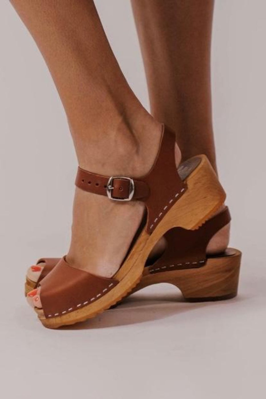 Leather Clogs | ROOLEE