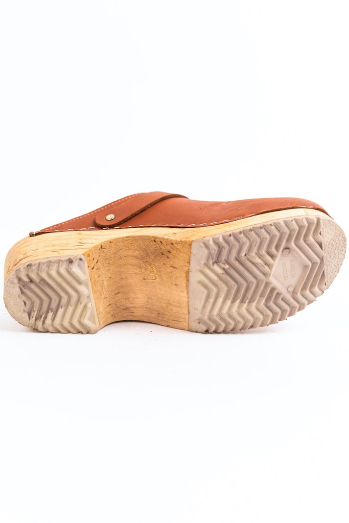 Rubber sole wood clogs | ROOLEE