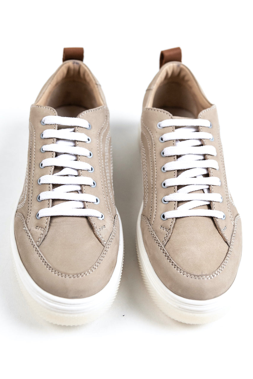 Neutral anywhere sneakers | ROOLEE