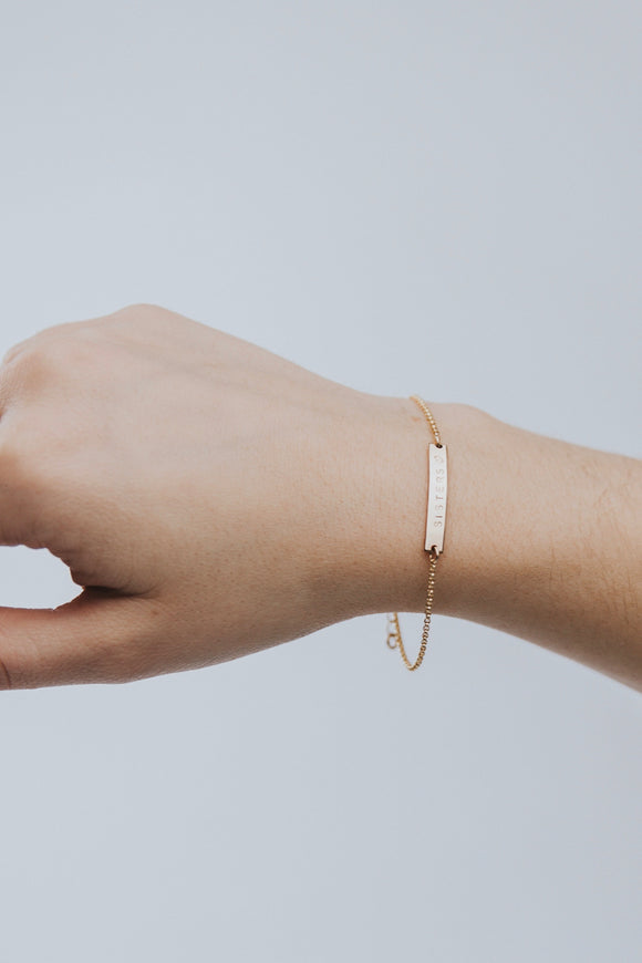 Sisters♡ Mini Bar Bracelet | ROOLEE